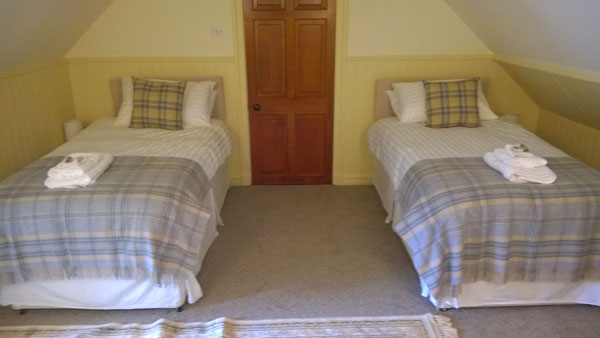 Cauldhame Stable Cottage twin bedroom